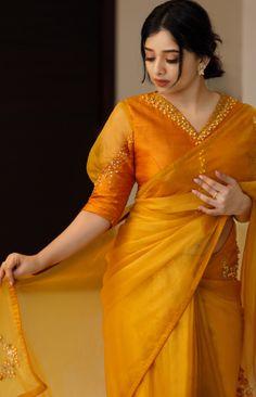 Blouse Designs High Neck, Best Blouse Designs, Silk Saree Blouse Designs, Silk Sarees, Lehenga Saree Design, Stylish Sarees, Stylish Dresses, Stylish Blouse Design, Designer Blouse Patterns