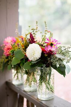 wedding flowers | See more on http://mountainsidebride.com/2014/01/rustic-elegant-cashiers-nc-wedding/