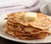 The Diner is the best place for breakfast in Yountville, CA. Start the day with their renowned cornmeal pancakes. Then serve them with smoky linked sausage. Johnny Cake, Brunch Recipes, Breakfast Recipes, Pancake Recipes, Breakfast Items, Breakfast Dishes, Colonial Recipe, All American Food, Cornmeal Pancakes