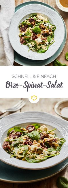 A fast salad, pimped with some feta, dried tomatoes, crispy spinach, orzo and balsamic dressing - that's how simple cooking will be. Go Veggie, Feta Salat, Cheese Stuffed Chicken, Food N, Food Diary, Dried Tomatoes, Cheeseburger Chowder, Salad Recipes, Meal Prep