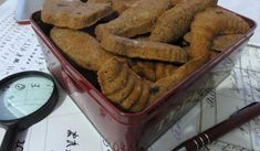 Jak upéct sušenky z mandlové mouky | recept Chicken Wings, French Toast, Low Carb, Breakfast, Desserts, Food, Diet, Morning Coffee, Tailgate Desserts