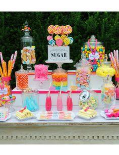 Arc-En-Ciel wedding candy buffet, sweet table wedding, candy bar party, can Dessert Bars, Buffet Dessert, Dessert Tables, Diy Dessert, Deco Buffet, Lolly Buffet, Candy Buffet Tables, Dessert Ideas, Bar A Bonbon
