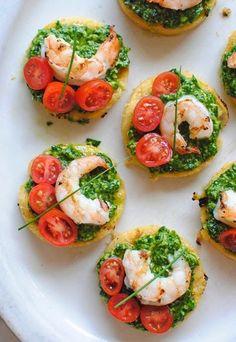 Italian Food ~ Italian Recipes: Italian Polenta Bruschetta with Shrimp and Spinach Pesto Seafood Appetizers, Seafood Recipes, Appetizer Recipes, Cooking Recipes, Healthy Recipes, Polenta Appetizer, Recipes Dinner, Italian Food Appetizers, Vegetarian Food