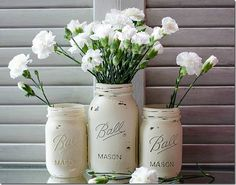 Annie Sloan Chalk paint Mason Jars for Weddings. This also leads to a tutorial.