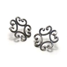 Caitie Sellers - etsy.com/listing/93588991/quatrefoil-stud-earrings