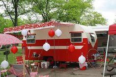 Vintage camper, love the paint job.