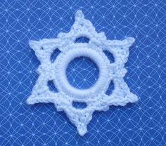 sneeuwvlok gehaakt om een ring