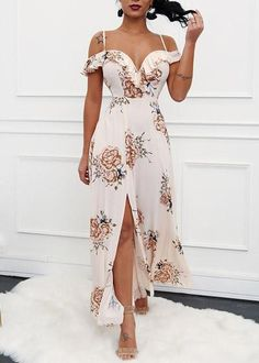 Holiday outfits jeans casual 55 Ideas for 2019 Dressy Dresses, Cute Dresses, Summer Dresses, Fashion Vestidos, Fashion Dresses, Silk Dress, Dress Up, Elegant Outfit, Holiday Outfits