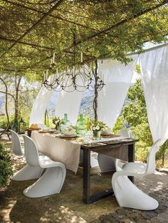 Cool 32 Newest Outdoor Bohemian Dining Room Design Ideas To Try Right Now Rustic Pergola, Backyard Pergola, Patio Roof, Pergola Plans, Pergola Ideas, Pergola Roof, Outdoor Pergola, Cedar Pergola, Covered Pergola