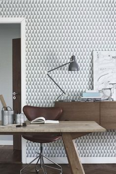 The wallpaper Trapez - 2739 from Boråstapeter is wallpaper with the dimensions m x m. The wallpaper Trapez - 2739 belongs to the popular wallpaper col Home Office, Office Workspace, Office Decor, Office Ideas, Office Designs, Study Office, Home Interior, Interior Architecture, Interior Office
