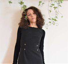 Sono felice di condividere l'ultimo arrivato nel mio negozio #etsy: abito Anna - abito stile russo - abito con bottoni - tubino morbido http://etsy.me/2nMrlbS #abbigliamento #donna #vestiti #grigio #laurea #sanvalentino #nero #abitostilerusso #annakarenina