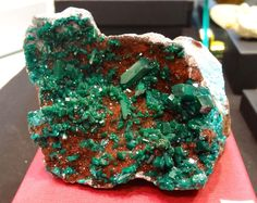 Dioptase from the Democratic Republic of Congo, on matrix, with quartz Natural History Museum, Mineralogy, Gems And Minerals, Congo, Tucson, Healing Stones, Stones And Crystals, Reddish Brown, Rocks