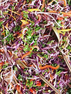 Thai nudelsalat med peanøttdressing - Mat På Bordet Plants, Food, Noodle Salads, Essen, Meals, Plant, Yemek, Eten, Planets