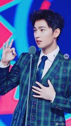 Yang Wei, Yang Yang Actor, Wei Wei, Asian Celebrities, Asian Actors, Korean Actors, Yang Chinese, Chinese Boy, Dramas