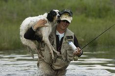 Bird dogs that like to go fishing in the off season. Sometimes you gotta help your buddy - This looks like my kind of hobby - Fly fishing Fishing Photos, Fly Fishing Tips, Gone Fishing, Best Fishing, Fishing Videos, Salmon Fishing, Trout Fishing, Fishing Bait, Fishing Rods