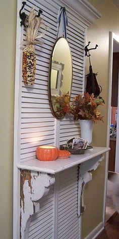 Greene Acres Hobby Farm: DIY Shutter Ways to Decorate and Repurpose Old Shutters. Would love to make a Hall Tree with my big shutters. Repurposed Items, Repurposed Furniture, Painted Furniture, Diy Furniture, Vintage Furniture, Diy Shutters, Repurposed Shutters, Interior Shutters, Window Shutters