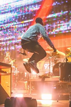 Dan smith jumping Dan smith wearing Nike Dan smith smiling from bastille dan smith with glasses Dan with short hair smiling still avoiding tomorrow tour. Bastille Concert, Bastille Live, Bastille Band, Reading Festival, Dan Smith, Bad Blood, New Wall, Picture Wall, Short Hair