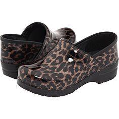 Leopard danskos! When my white danskos finally die, these will be my next pair of nurse shoes!