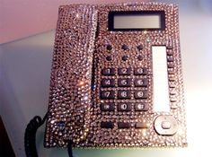 The more I look at it, the more I know I would love to have one of these if I had a house phone =)