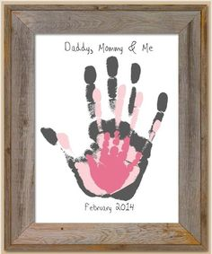 40 Sweet and Fun DIY Nursery Decor Design Ideas Cute homemade baby room decor. I'll do it with grey and yellow shades :] Kids Crafts, Family Crafts, Baby Crafts, Diy And Crafts, Craft Projects, House Projects, Family Hand Prints, Baby Hand Prints, Family Wall Art
