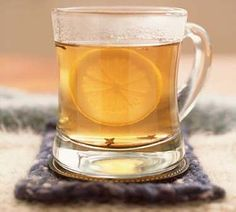 If have a cold and cough, you might be searching for the perfect hot toddy recipe. A good, hot toddy has helped many a person get over their cold or flu! Mojito, Whiskey Shots, Cold Remedies, Health Remedies, Sore Throat, Influenza, Natural Cures, Natural Skin, Yummy Drinks