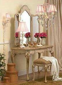 French Furniture Design Ideas - Home Interior French Country Bedrooms, French Country Style, French Chic, French Decor, French Country Decorating, French Interior, Bedroom Themes, Bedroom Decor, Bedroom Sets
