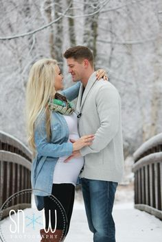 Snow maternity.  Beautiful winter shoot