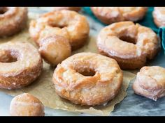 Sour Cream Donuts (with Video!) - How to make SOUR CREAM DONUTS! These are easy, fried donuts made without yeast! Everyone loves this - Cream Donut Recipe, Sour Cream Donut, Make Sour Cream, Duck Donuts Recipe, Donut Recipes, Gourmet Recipes, Baking Recipes, Drink Recipes, Bread Recipes