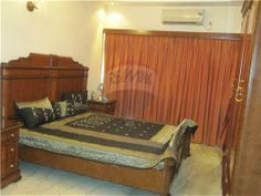 Semi Furnish 3 BHK flat @ Gariahat Road Rs. 2,25,00,000 for more detail visit http://www.remax.in/504034001-233