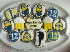 Despicable Me minion birthday cookies Minion Treats, Minion Cookies, Despicable Me Party, Minion Party, Kinds Of Cookies, Cookies For Kids, 2nd Birthday Parties, 4th Birthday, Birthday Ideas