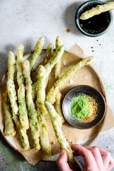 Ultra-crispy gluten-free tempura asparagus spears fried up with a rice flour and egg batter, then sprinkled with earthy matcha salt and spicy togarashi! Gluten Free Recipes, Vegetarian Recipes, Cooking Recipes, Healthy Recipes, Sushi Recipes, Snacks Recipes, Tempura Recipe, Healthy Snacks, Healthy Eating