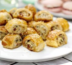 Recipe : Summer snack rolls.   Chicken breasts, bacon, sun dried tomatoes rolled inside puff pastry.  Very nice with a pleasant tang!  :)))