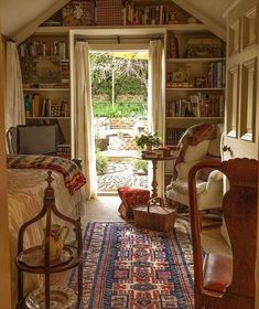 Cozy room w/character galore - Home Dekor Cozy Cottage, Cozy House, Cozy Cabin, Backyard Cottage, Cottage Living, Cozy Room, Dream Rooms, Dream Bedroom, My New Room