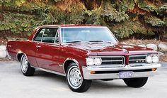 1964 Pontiac Tempest Pillared Hardtop with GTO Option General Motors, Buick, Vintage Cars, Antique Cars, Vintage Signs, Vintage Auto, Gto Car, Pontiac Cars, Pontiac Lemans
