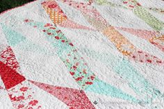 Do you have a large fabric stash, filled with scraps, pre-cuts, half yards and more? These FREE patchwork quilt patterns will help you make use of those fabrics and turn them into usable quilts!