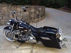 "Credit to : @chicano_yank ===================== Follow & Tag ""HD Tourers and Baggers"" on Instagram Facebook Twitter & across the Web. ===================== #hdtourersandbaggers ===================== #instamotogallery #instamoto #motorcycles #harleydavidson #roadkingclassic #roadking #roadglide #streetglide #softail #showoffmyharley #harleysofinstagram #harleylife #bikelife #bikersofinstagra #bikestagram #harleyrider #harleyriders #customharley #throttlezone #harleydavidsonnation…"