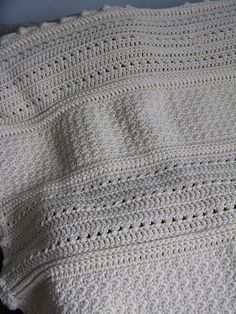 May Day blanket - pretty textures, easy pattern #crochet #afghan #blanket #throw