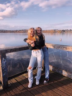 See more of ellaconraddd's content on VSCO. Cute Poses For Pictures, Cute Friend Pictures, Family Pictures, Photos Bff, Friend Photos, Friend Picture Poses, Bff Poses, Sibling Poses, Newborn Poses