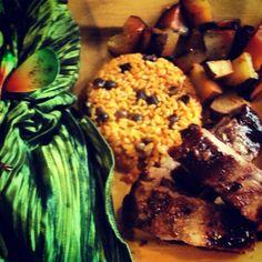 Arroz con gandules,costillas y papas Puerto Rican Cuisine, Puerto Rican Recipes, Puerto Ricans, Traditional, Kitchen, Projects, Food, Beverages, Bon Appetit