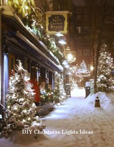 wish I lived in a winter wonderland like this during Christmas time! Christmas Scenes, Noel Christmas, Winter Christmas, Christmas Lights, Christmas Decorations, Christmas In Canada, Quebec City Christmas, Snowy Christmas Scene, Hallmark Christmas