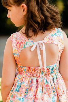 Dresses For Tweens, Little Girl Dresses, Girls Dresses, Toddler Girl Dresses, Baby Frocks Designs, Kids Frocks Design, Baby Girl Dress Patterns, Baby Dress, 10 Years Girl Dress