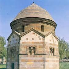 selçuklular kümbetleri - selçuklu kumbet mimarisi Türklerin Orta Asya'daki mevcudiyetleri zamanında çadır ve otağ kültürü yerini mimari anlamda kümbete bırakmıştır.