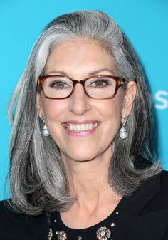 deborah nadoolman landis - Google Search More Long Gray Hair, Silver Grey Hair, White Hair, Going Gray Gracefully, Silver Haired Beauties, Grey Hair Inspiration, Salt And Pepper Hair, Ageless Beauty, Hair Today