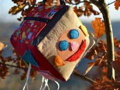 Klobouček s krempou nebo kšiltem Diy And Crafts, Sewing Patterns, Blog, Mini, Tela, Scrappy Quilts, Turbans, Beanies, Blogging