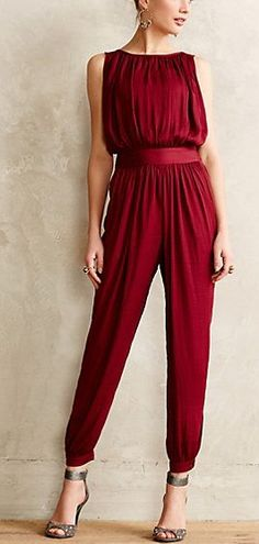 Cranberry jumper #anthrofave http://rstyle.me/n/tnds6n2bn