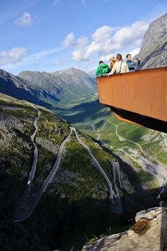 Trollstigen, Noorwegen. https://www.hotelkamerveiling.nl/hotels/noorwegen.html