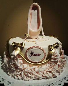 Um bolo para, Anne, a bailarina!