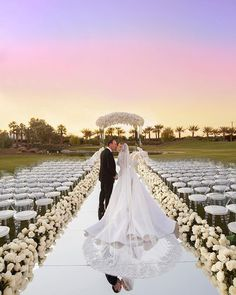 Top 10 Luxury Wedding Venues to Hold a 5 Star Wedding - Love It All Star Wedding, Dream Wedding, Wedding Day, All White Wedding, White Weddings, Wedding Altars, Wedding Ceremony Decorations, Luxury Wedding Venues, Destination Wedding