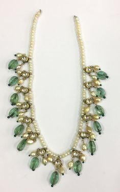 Size of Round Basra pearl mm. Indian Jewelry Earrings, 18k Gold Jewelry, Indian Wedding Jewelry, Royal Jewelry, Small Earrings, Emerald Jewelry, Antique Jewelry, Beaded Jewelry, Jewelery
