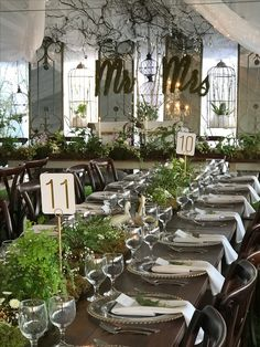 Wedding on the Hill Wedding Decorations, Table Decorations, Traditional Design, Table Settings, Interior Design, Furniture, Home Decor, Nest Design, Decoration Home